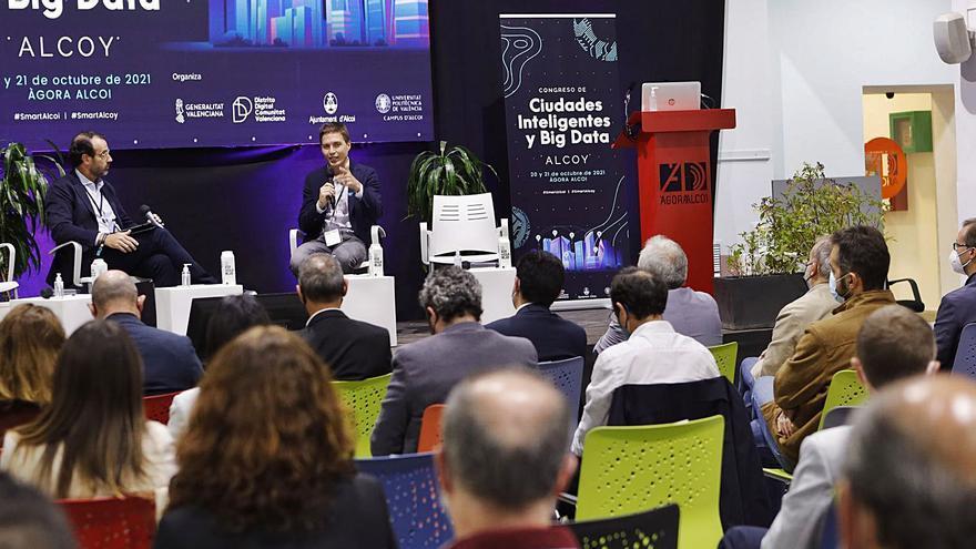 Berenguer: «La vacuna del covid se ha hecho sin tener el virus en el laboratorio»
