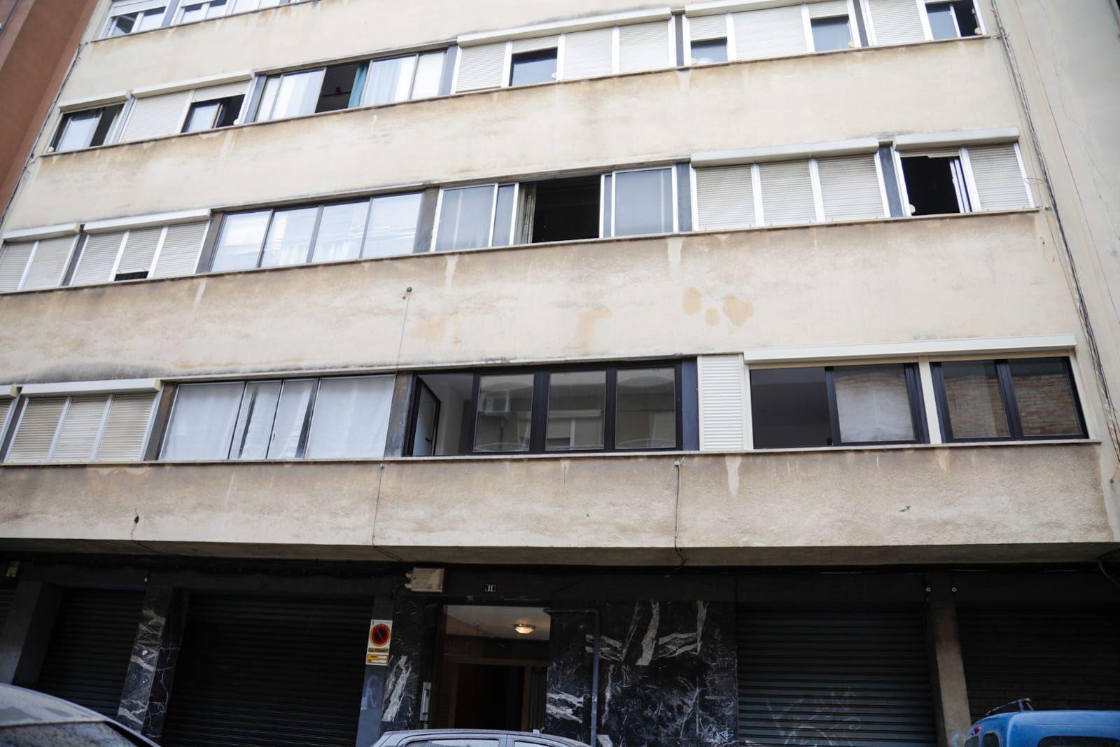 Un hombre con síndrome de Diógenes, intoxicado al arder su piso en Palma