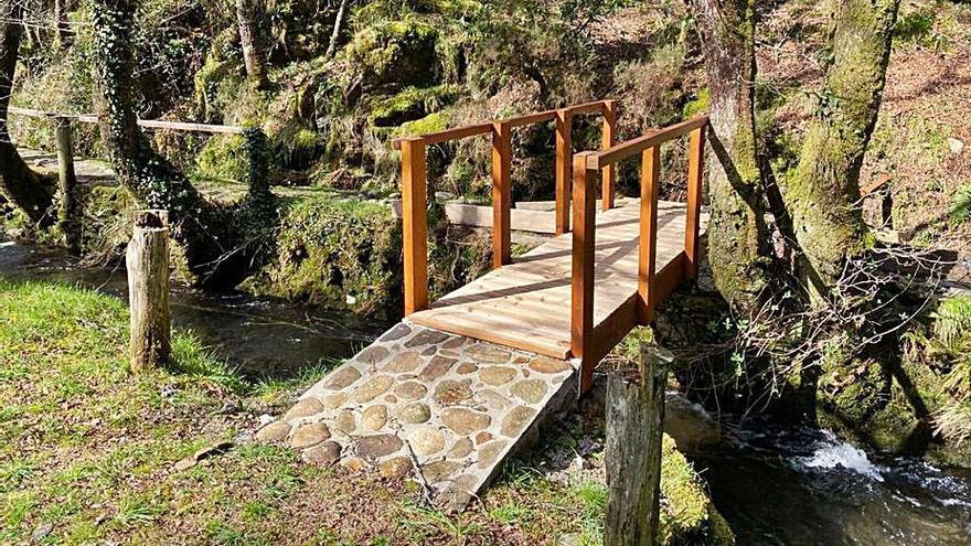 El Concello de Forcarei mejora el área recreativa de Cotelo por 15.700 euros