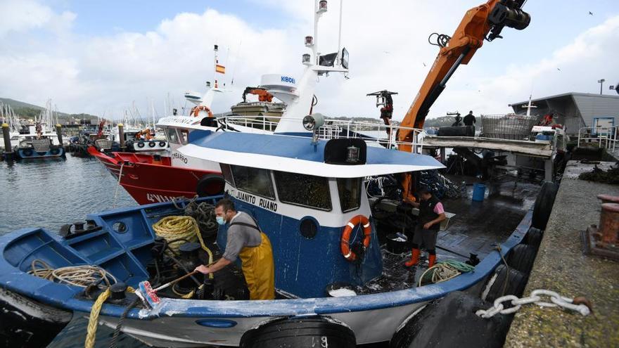 Un barco gallego del cerco.