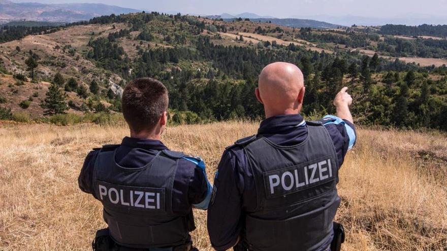 Al menos diez heridos en las protestas por un asesinato a manos de la Policía albana