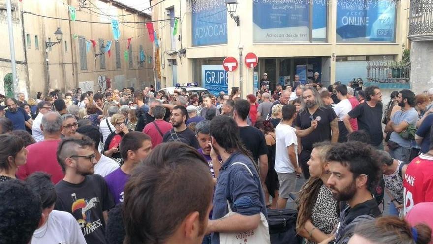 La Fiscalía pide cárcel para el cargo de Vox que atacó un centro de menores extranjeros en Barcelona