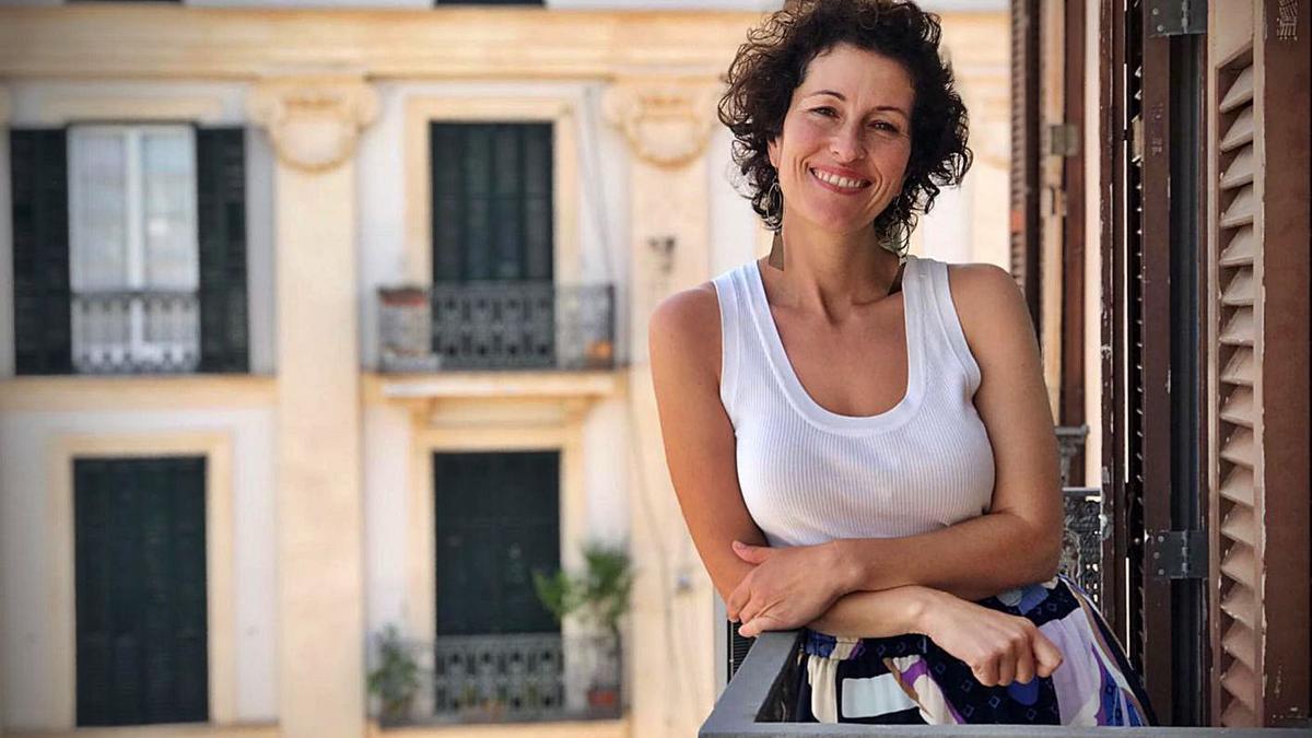 Silvia Tur se despide del Parlament en su último pleno