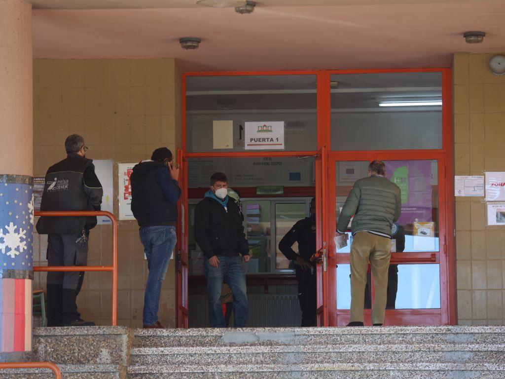 Fallece el conserje del IES Monte Naranco aplastado por el ascensor del centro