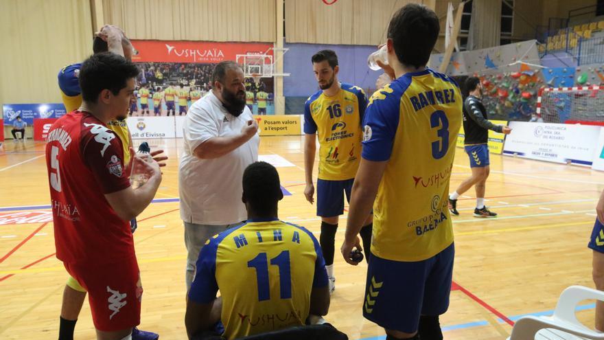 La UD Ibiza-Ushuaïa Volley no renueva a Barreros como técnico, que carga contra la directiva