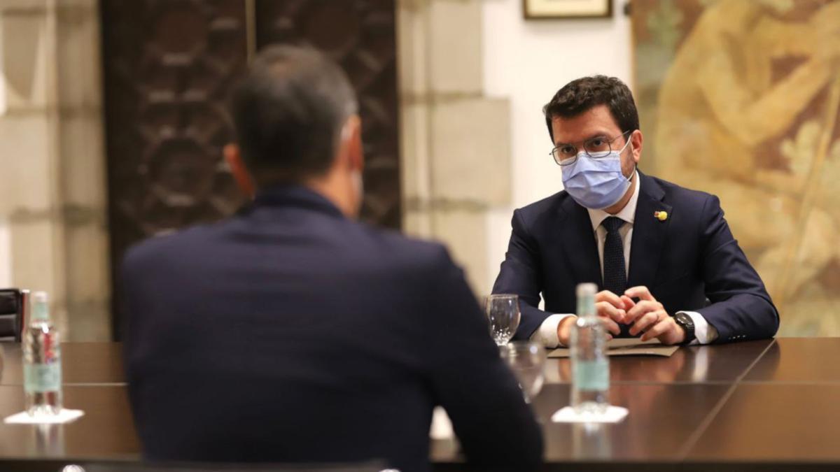 El president de la Generalitat, Pere Aragonès, reunit amb el cap de la Moncloa, Pedro Sánchez, durant la reunió de la taula de diàleg
