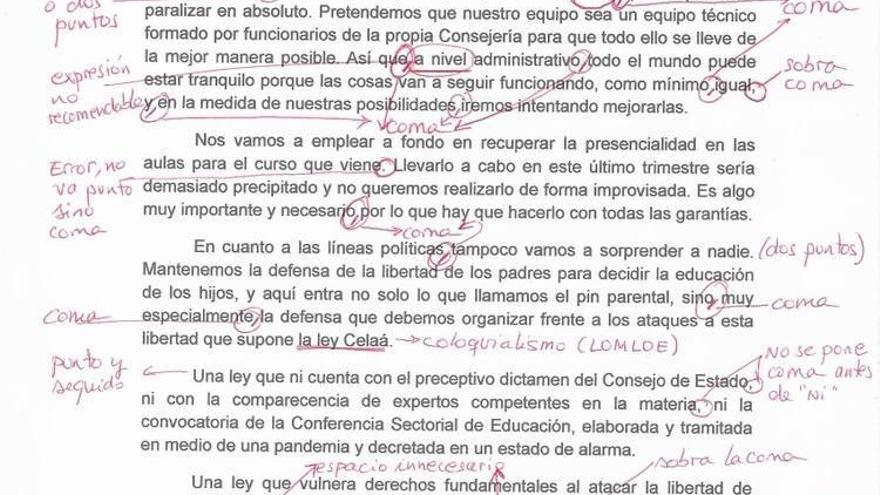 Docentes corrigen un comunicado de la nueva consejera de Educación de Murcia con errores gramaticales y de expresión