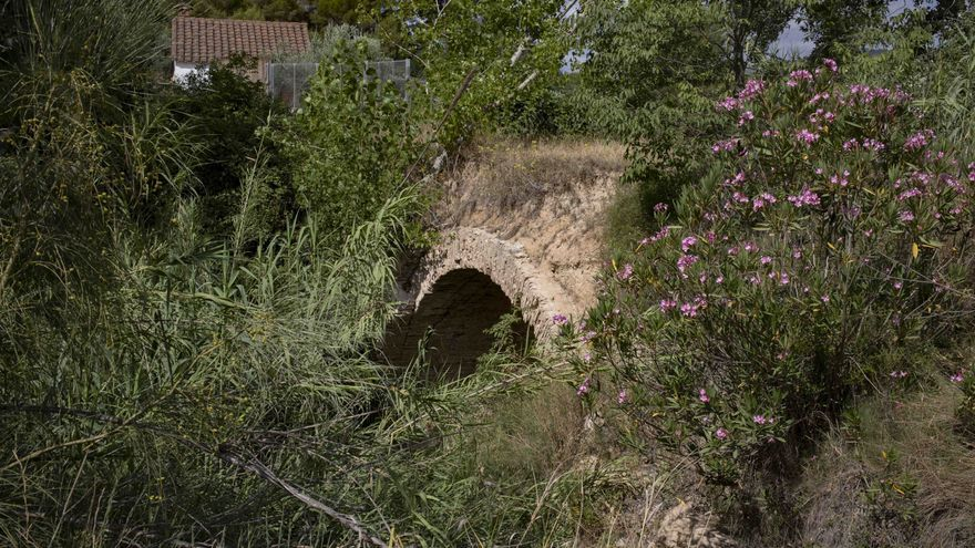 El Pont del Palau de Vahillo de Moixent encadena 18 meses en la lista roja de patrimonio