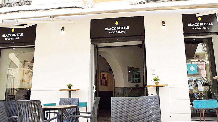 Junto a la Alcazaba: Black Bottle, gastrobar de Málaga