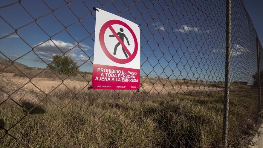Piden ubicar el centro de acogida de migrantes en «una zona más habitable»