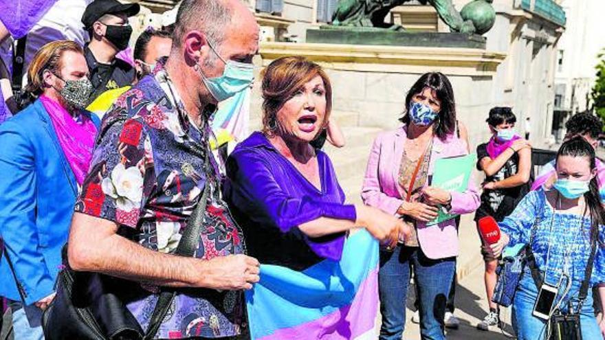 Colectivos trans aceptan que el trámite del registro dure tres meses para desatascar la ley