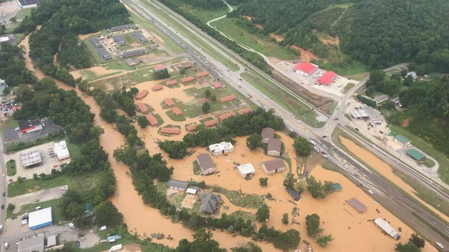 Una fuerte tormenta deja al menos 20 muertos en Tennessee