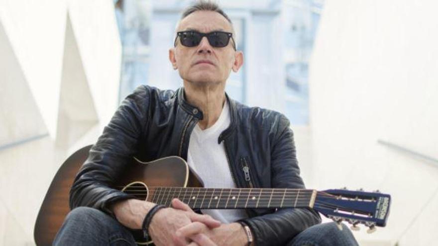 Mor el guitarrista, cantant i compositor Amadeu Casas als 66 anys