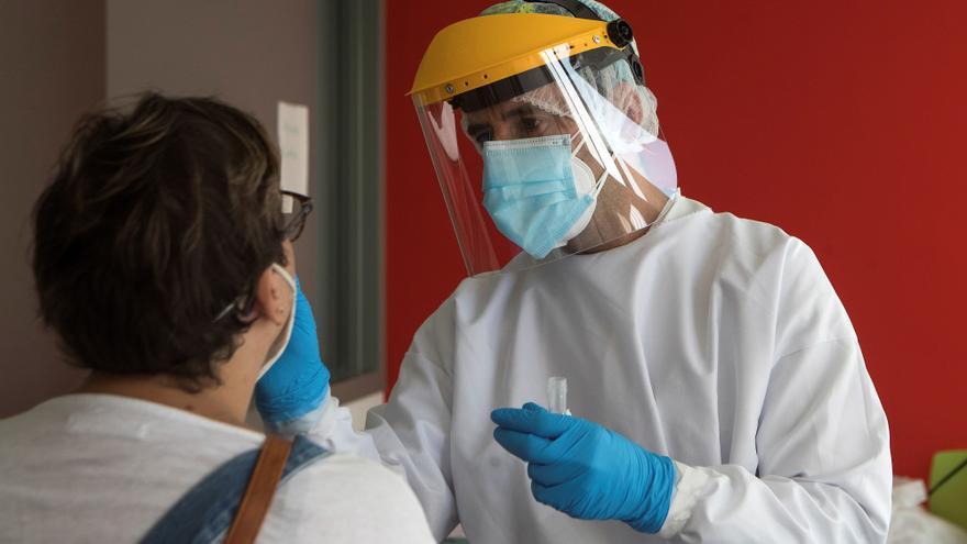 Baleares vuelve a riesgo bajo de covid-19 y detecta 24 contagios nuevos