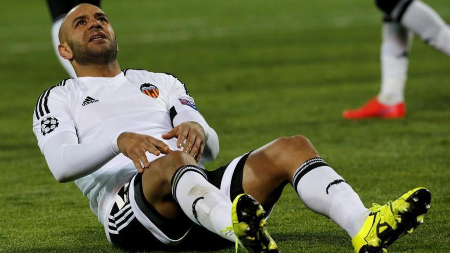 El Valencia CF rescinde el contrato a Abdennour, que se va al Kayserispor turco