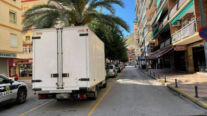 La Policia Local de Cullera deté un home per conduir un camió sense carnet
