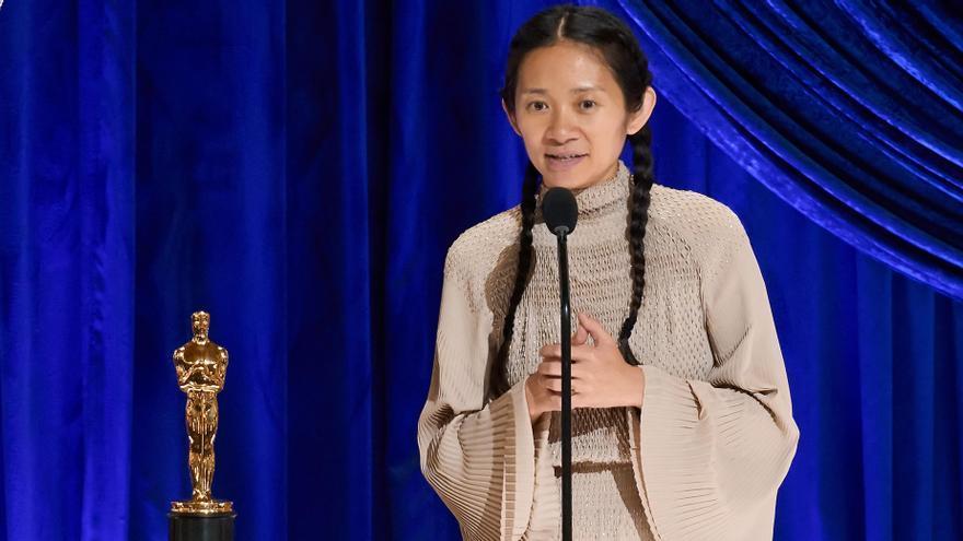 'Nomadland' triunfa en la noche de los Oscar con mejor película, dirección y actriz