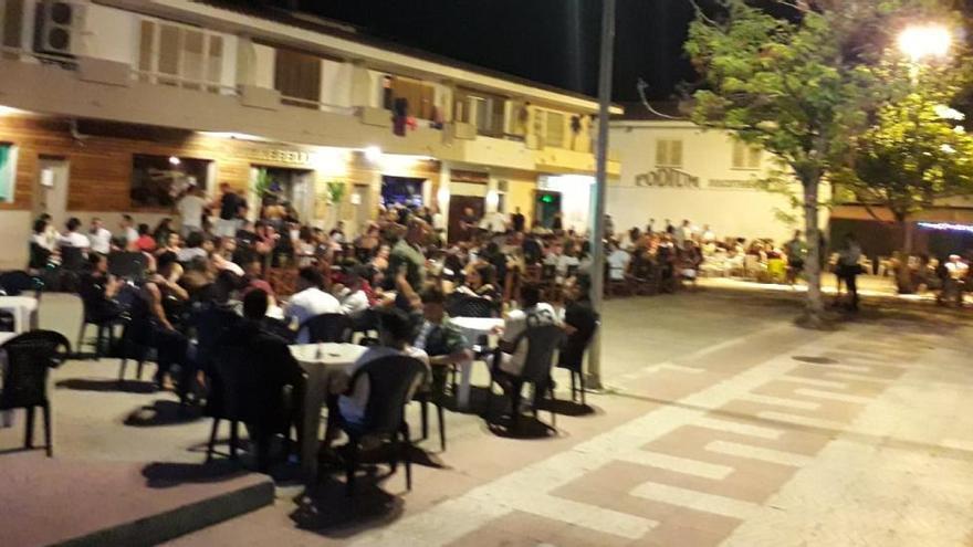 Torroella redueix l'horari d'obertura dels locals d'oci nocturn de la plaça del Timó de l'Estartit