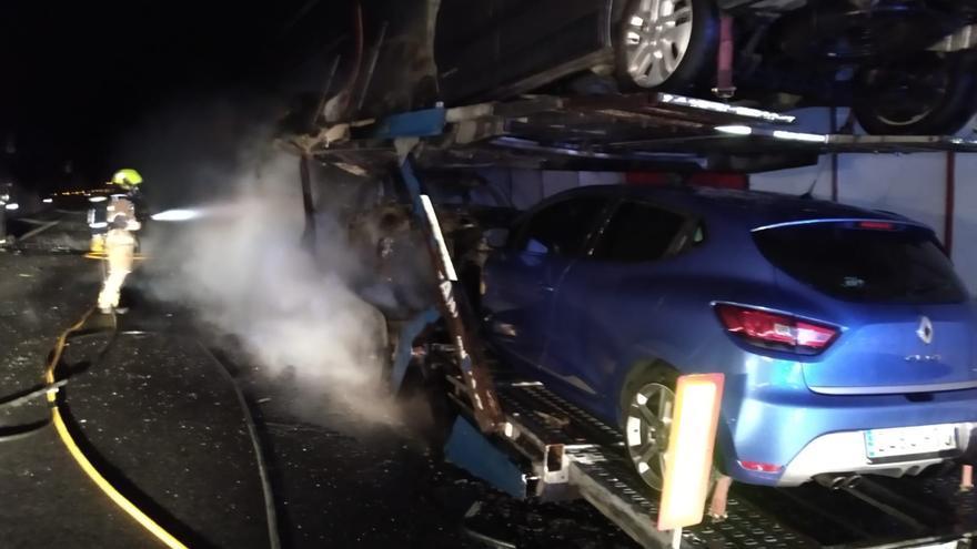 Arde un camión en el túnel de A Cañiza y colapsa la circulación