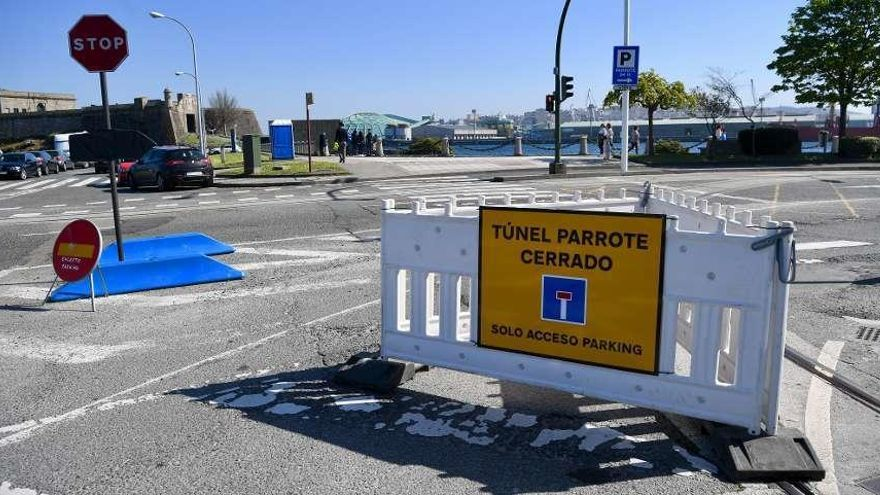 Comienza la reparación del túnel de O Parrote, cortado en sentido hacia la Marina