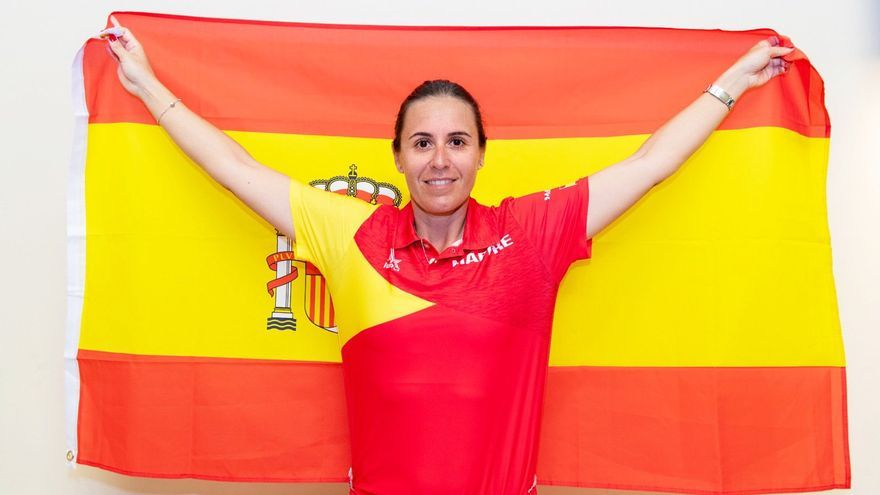 Anabel Medina celebra la fecha de las Finales de la Fed Cup