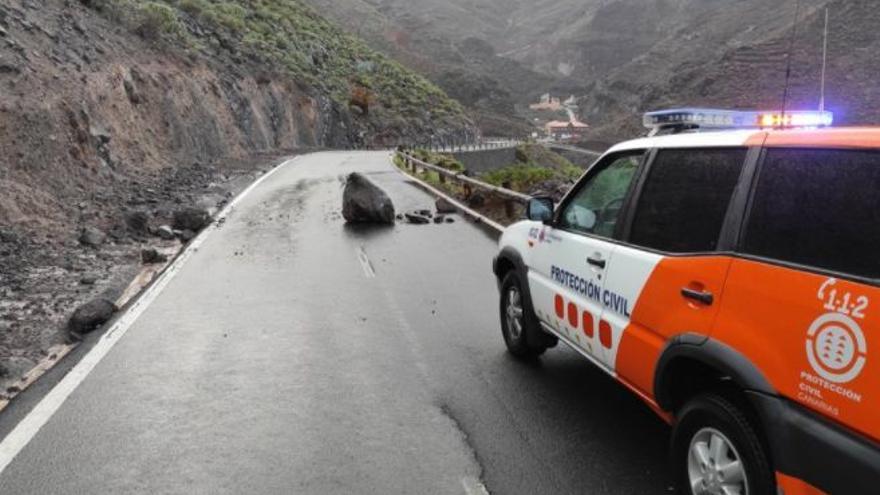 Importantes desprendimientos en una carretera de La Gomera