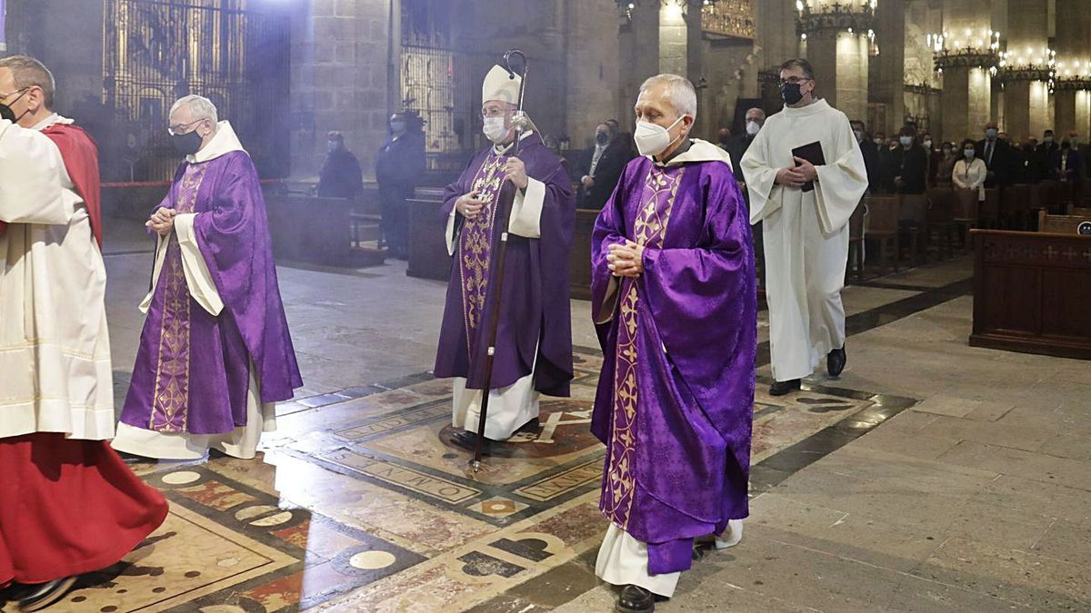 Pregón de Semana Santa: Exposición de los Estandartes.