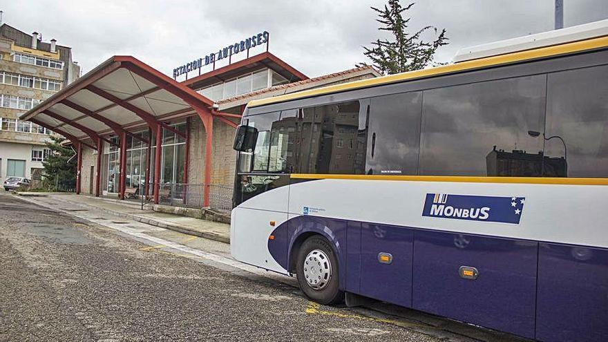 La conexión de A Estrada con Santiago aporta 95.000 viajes de autobús al área metropolitana compostelana