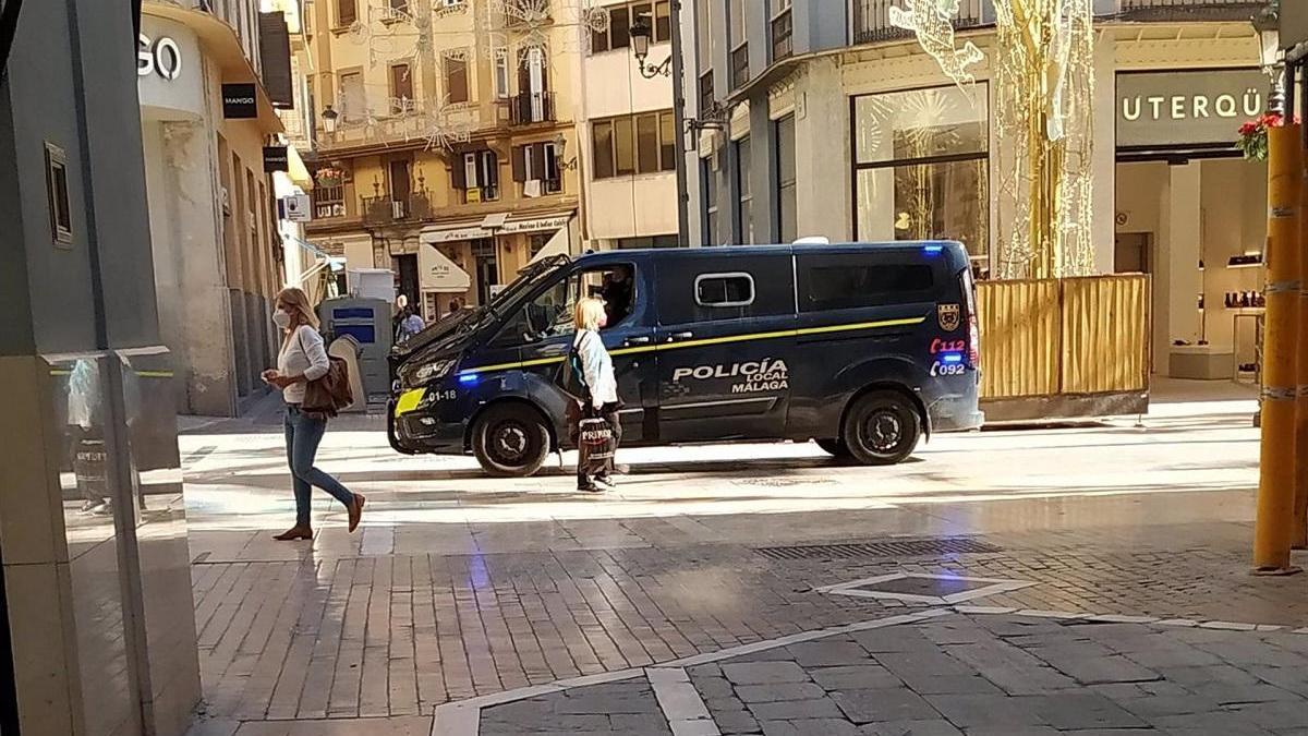 Policía Local en la calle Larios.