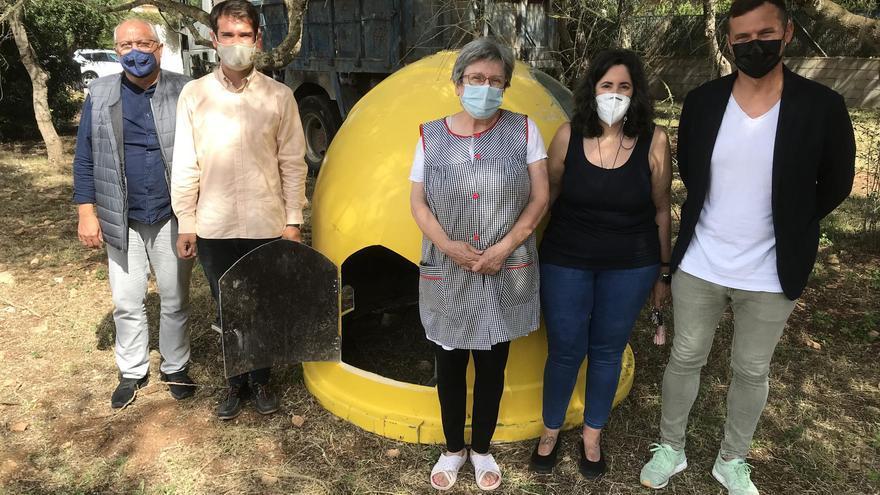 Contenedores en desuso como refugio para las colonias felinas en Llucmajor