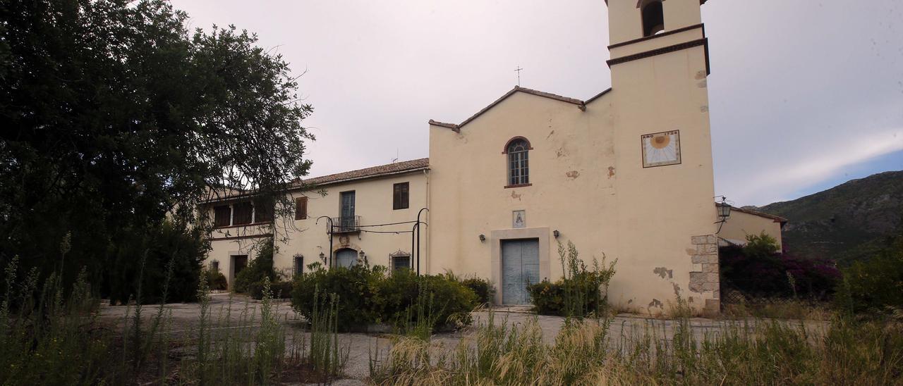 Así de deteriorado se encuentra el monasterio de Aguas Vivas (BIC)
