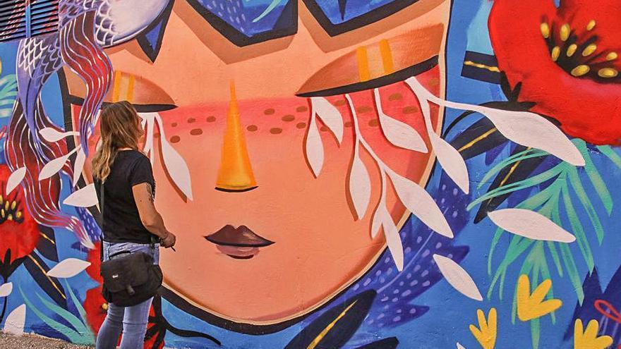 Alcoy crea una ruta de visitas y una app con los 14 murales de su festival de arte urbano