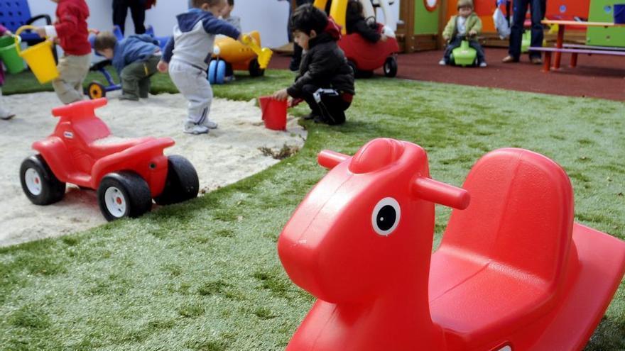 La oferta de plazas públicas en las escuelas infantiles apenas cubre el 60% de la demanda de la comarca de Pontevedra