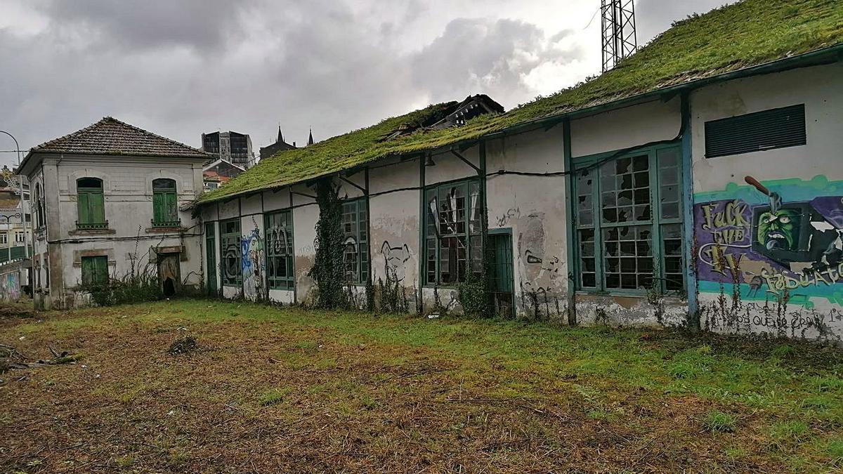 La antigua fábrica de la luz en Betanzos.    // LA OPINIÓN