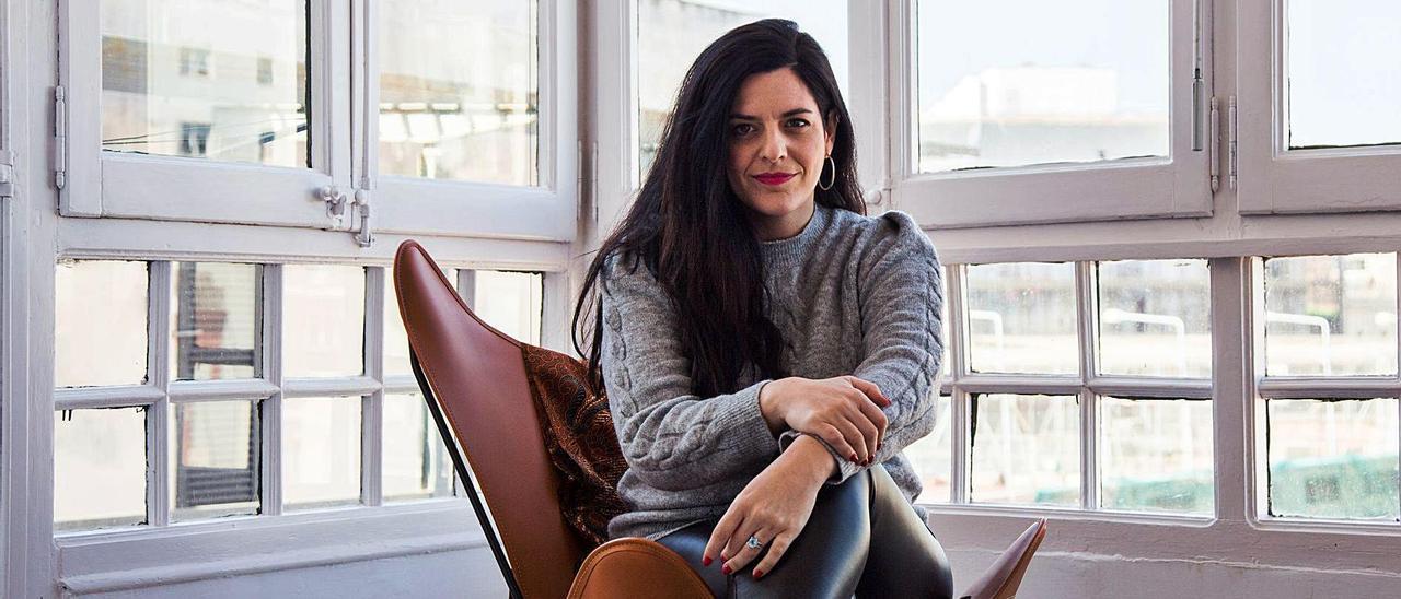 La abogada Carla Vall i Duran en su despacho.