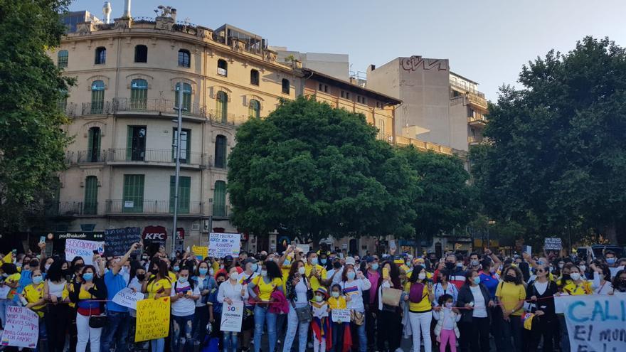 Manifestación en Palma por la situación política de Colombia