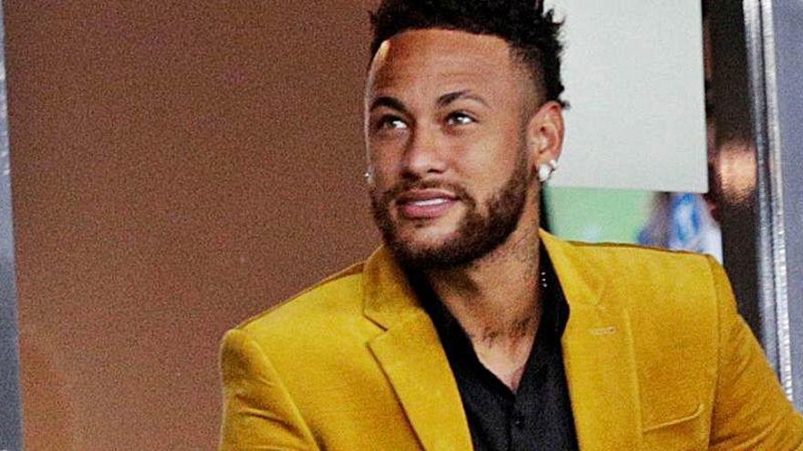 Neymar indigna a Brasil tras montar una fiesta con 500 invitados