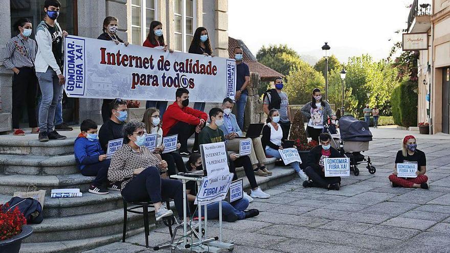 Gondomar sale a la calle por una conexión digna a internet en todas las parroquias