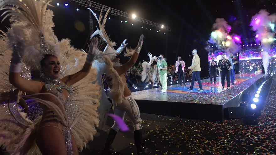 El Carnaval de 'La Tierra' se hace sentir en el parque Santa Catalina