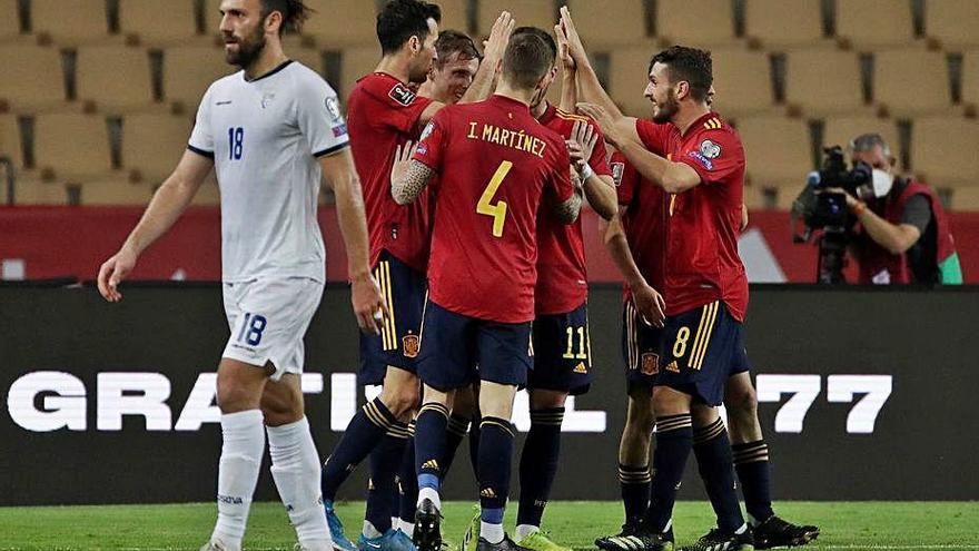 Espanya es desfà de Kosovo sense brillantor per ser líder del seu grup