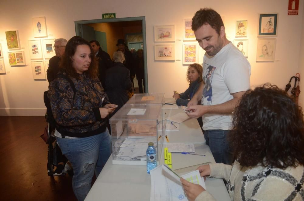Las imágenes de la jornada electoral del 10N en Galicia.