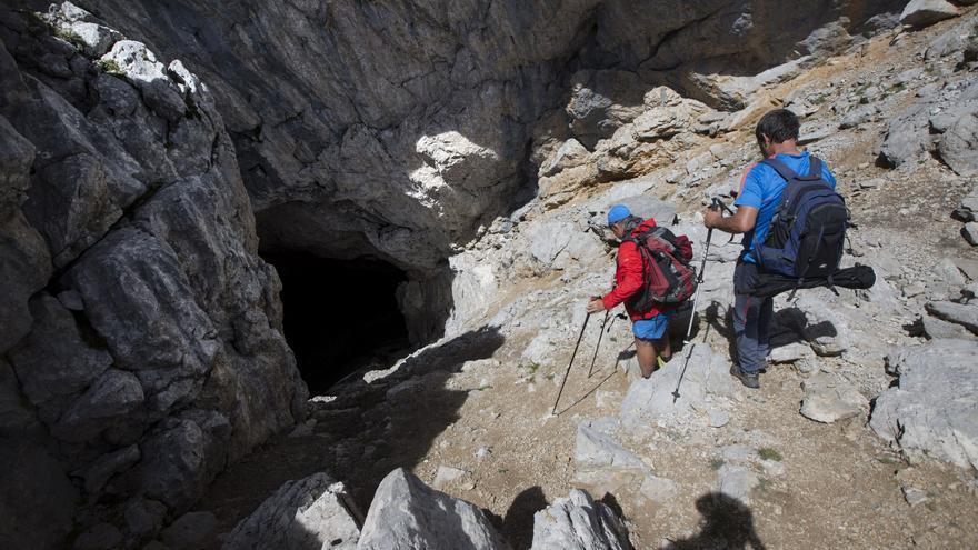 La paradoja de los guías de montaña: sin trabajar, pero otros pueden ir al monte