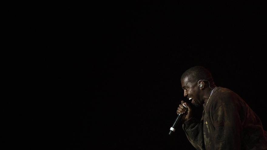 Kanye West vuelve a chocar con su discográfica, a la que acusa de publicar su nuevo disco sin permiso