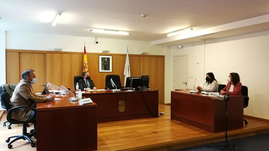 El presidente del TSXG atiende la demanda para cubrir bajas en los Juzgados de Cangas