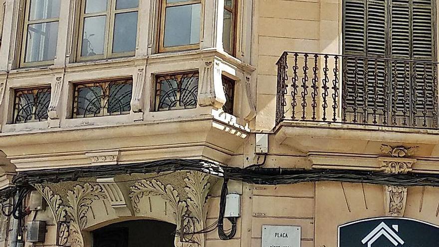 ARCA critica la escasa ambición del nuevo PGOU para evitar cables en fachadas