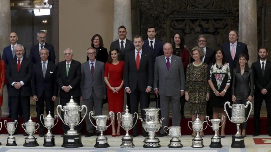 Los Reyes hacen entrega de los Premios Nacionales del Deporte