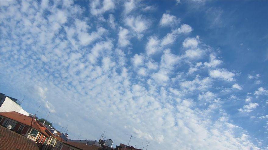 Este martes Aragón registrará cielos poco nubosos y probabilidad de chubascos en el Pirineo