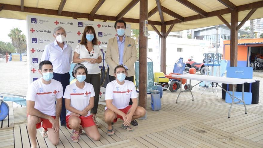 Cruz Roja y Axa mejoran la zona de baño asistido de El Bajondillo en Torremolinos