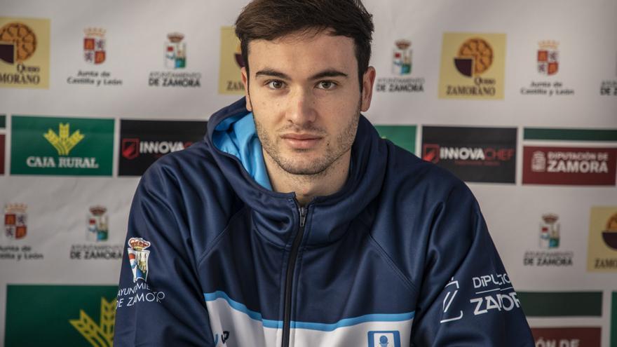 Unai Mendikote y María Barneda, en la Selección Española 3x3 Sub 23