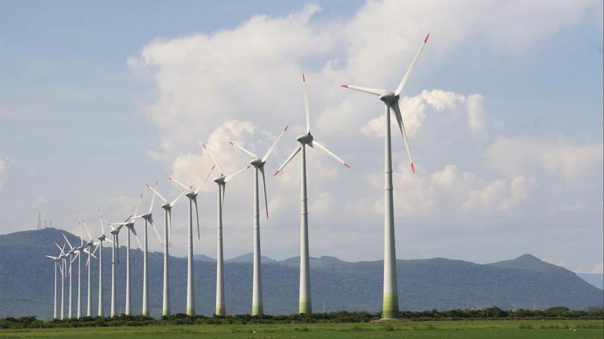 De los recursos no renovables a las energías limpias y sostenibles